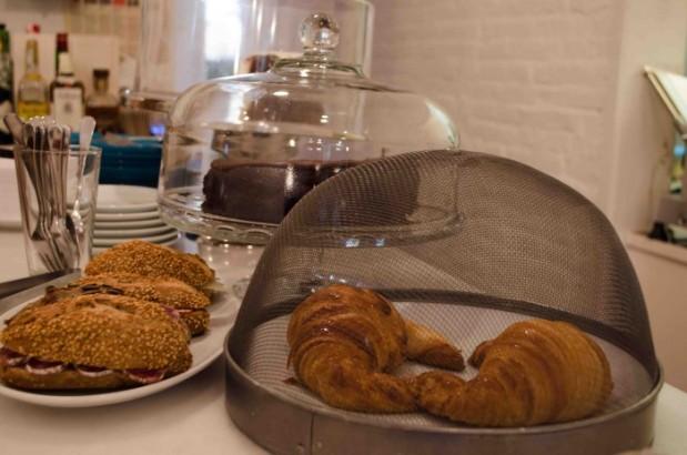 Mama's Café15.